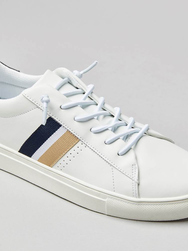 Courtflex Sneaker 7242757_100_JeanPAul_S20-left2_COURTFLEX.jpg_Left||Left