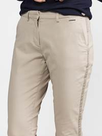 Caroline Chino 7236883_I4Y-JEANPAULFEMME-S19-Modell-back_51636_Caroline Chino I4Y.jpg_Back||Back