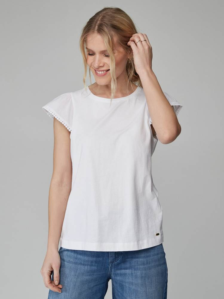Lily Top 7246552_O68-JEANPAULFEMME-H21-Modell-front_83063_Lily Top O68.jpg_Front||Front