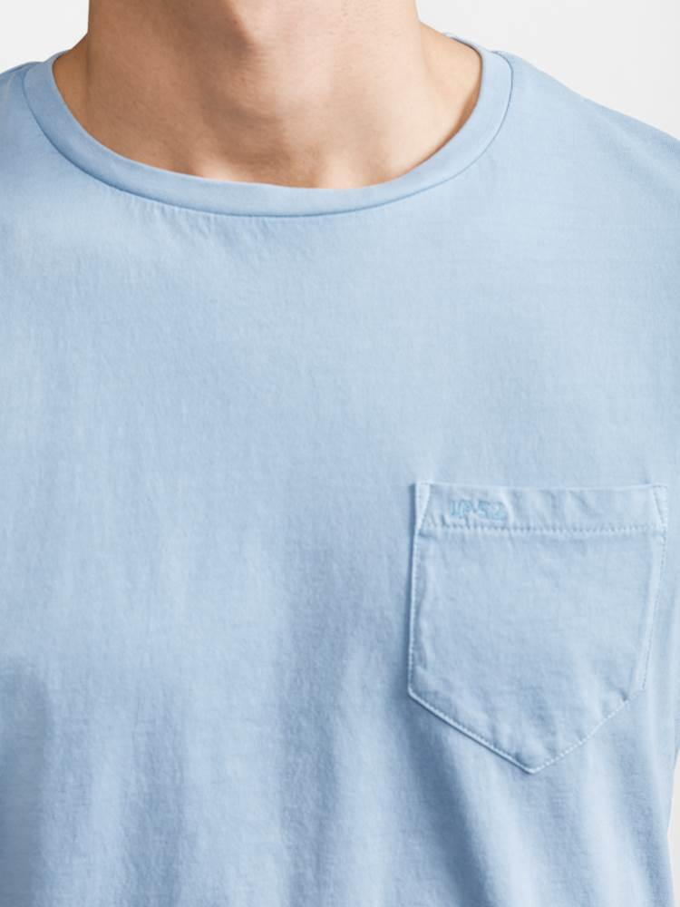 Pocket T-skjorte 7232313_JP52_POCKET TEE_DETAIL_E9O_Pocket T-skjorte E9O.jpg_Left||Left