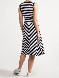 Ivy Kjole 7237728_JEAN PAUL_IVY STRIPED DRESS_BACK_S_EM6_Ivy Kjole EM6.jpg_