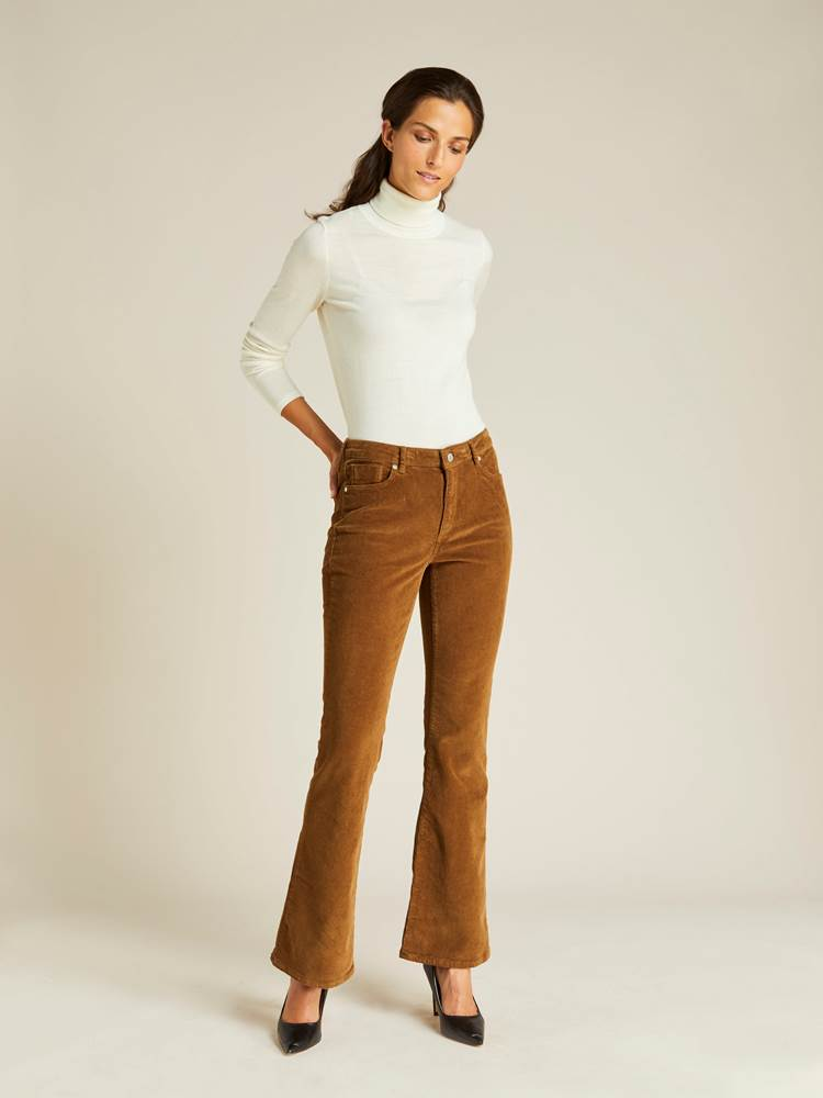 Sabine Cord Flare Pant 7239744_AFD-JEANPAULFEMME-A19-Modell-front_151_Sabine Cord Flare Pant AFD.jpg_Front||Front