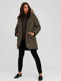 Carry Parkas 7244016_AIB-JEANPAULFEMME-A20-Modell-front_30135_Carry Parkas AIB.jpg_Front||Front