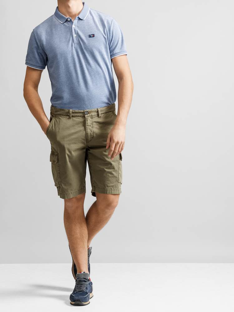 Mike Cargo twill shorts 7232238_JP52_MIKE CARGO TWILL BERMUDA_FRONT_GMM_L_Mike Cargo twill shorts GMM.jpg_