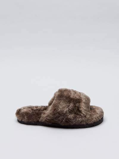 Placide Slippers 700