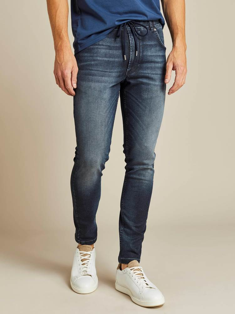 David Coated Jogg Stretch Denim Bukse 7238713_D06_JEAN PAUL_A19_Modell-front_David Coated Jogg Stretch Denim Bukse D06.jpg_