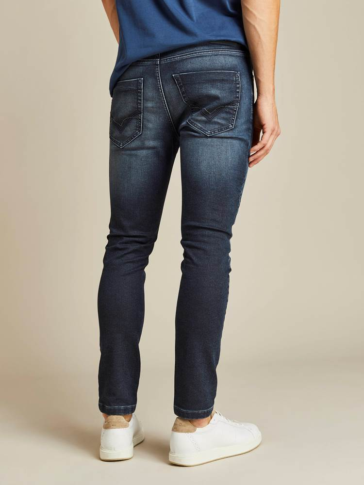 David Coated Jogg Stretch Denim Bukse 7238713_D06_JEAN PAUL_A19_Modell-back_David Coated Jogg Stretch Denim Bukse D06.jpg_
